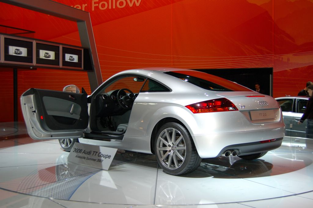 audi tt coupe rear view