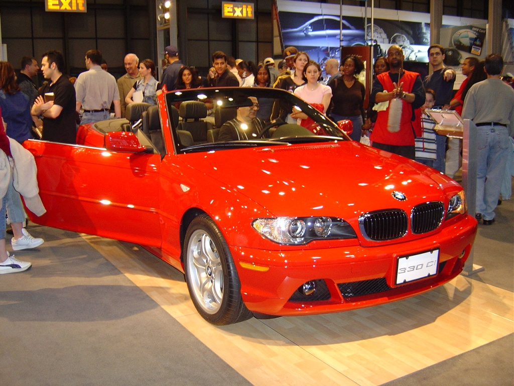 red-bmw-330-ci