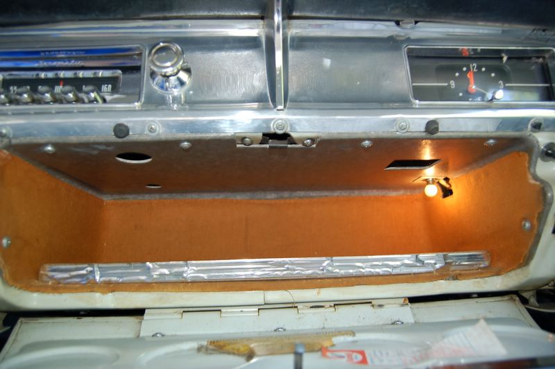 1957 buick special glovebox2