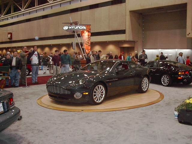convertible-gray-aston-martin