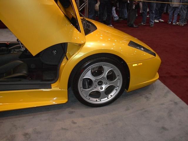 front-view-yellow-lamborghini