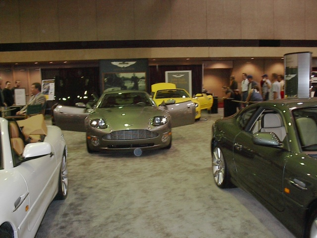 aston-martin-at-the-car-show
