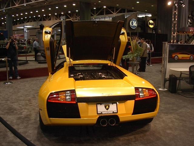 rear-view-lamborghini