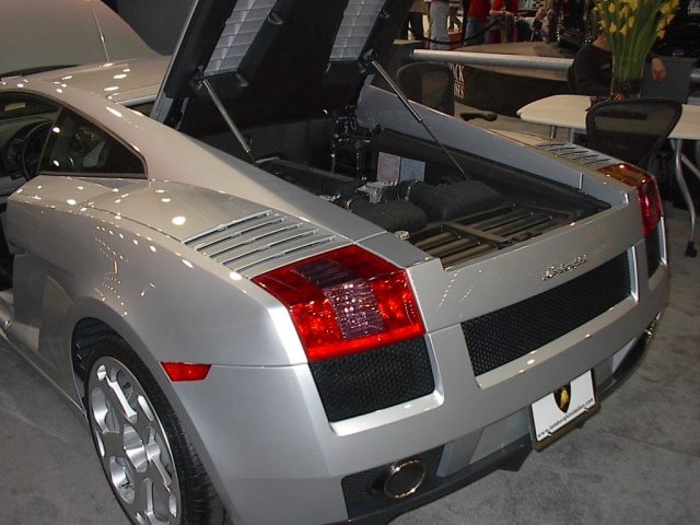 rear-engine-silver-lamborghini