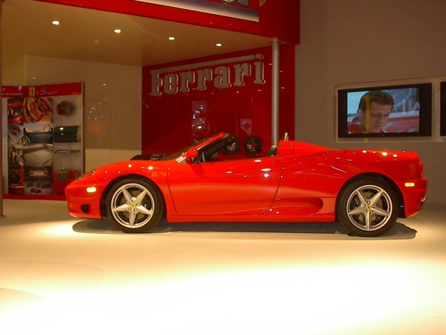 exotic-red-ferrari-side-view