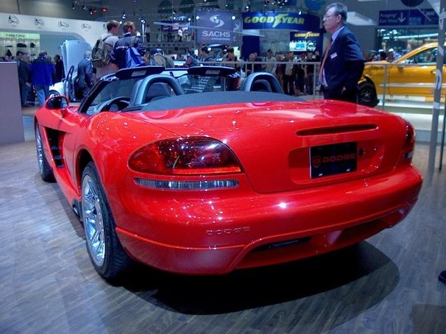 dodge-viper-srt-10-convertible-02