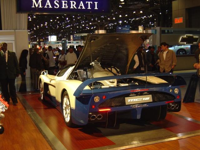 gold-maserati-mc12