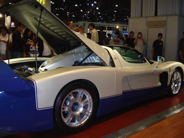 maserati-mc12-rear-view