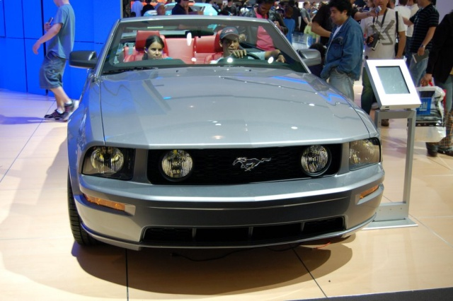 ford convertible mustang