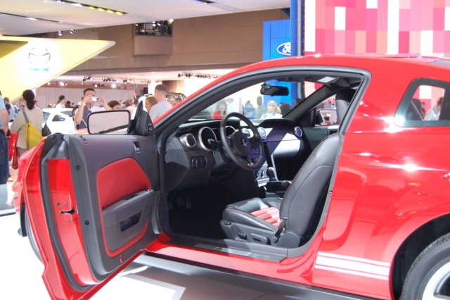 ford shelby inside view