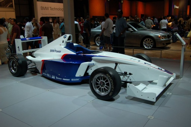 bmw formula 1 race car