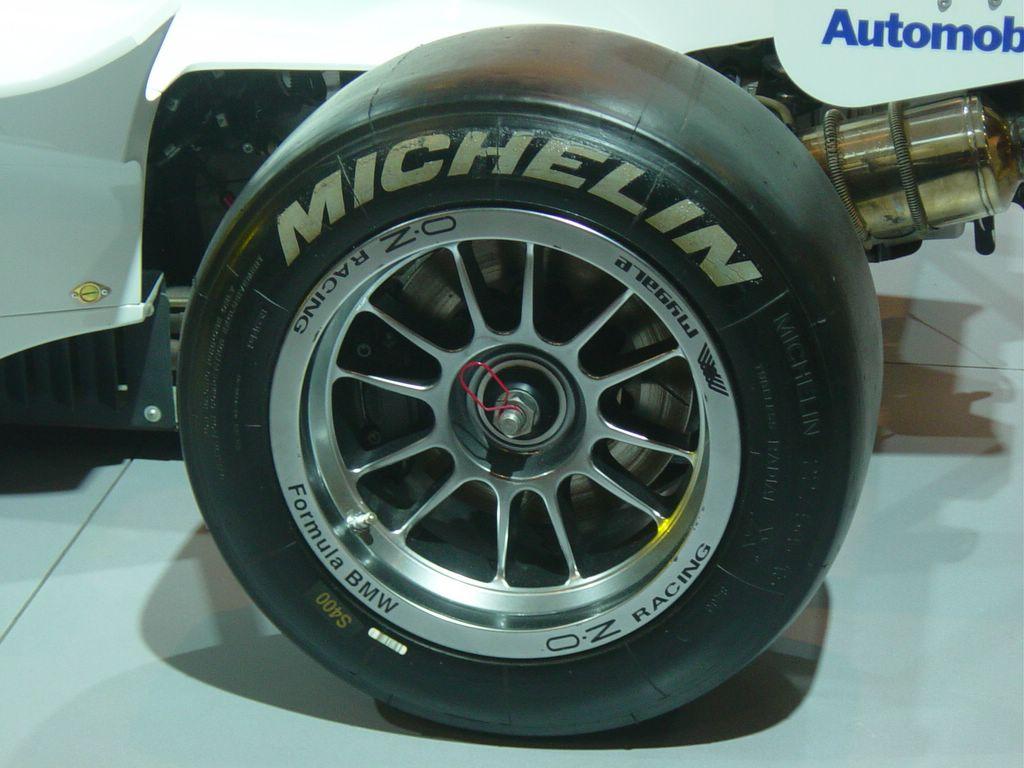 bmw formula racing michelen tire