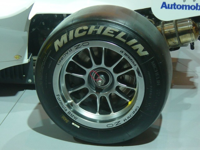 bmw formula racing michelen tire