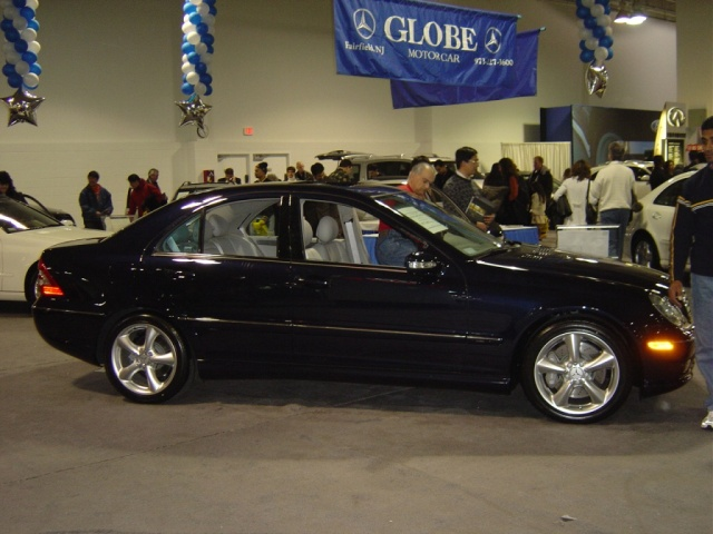 black-mercedes-c230-kompressor-side-view
