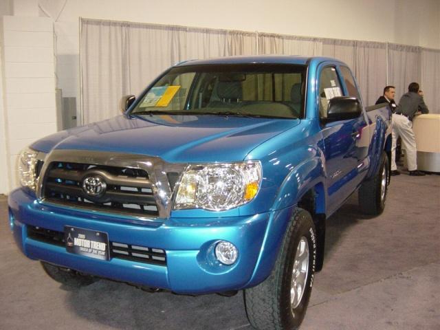 blue-toyota-tacoma