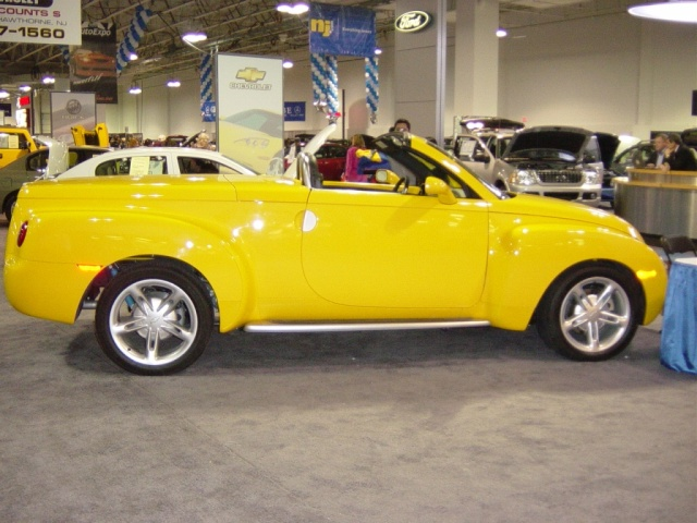 chevy-ssr-roadster-truck