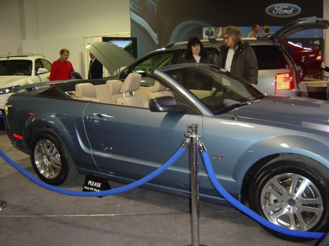 ford-mustang-convertible-top-down