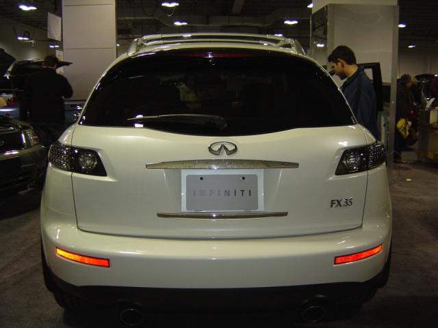 lexus-fx35-rear-view