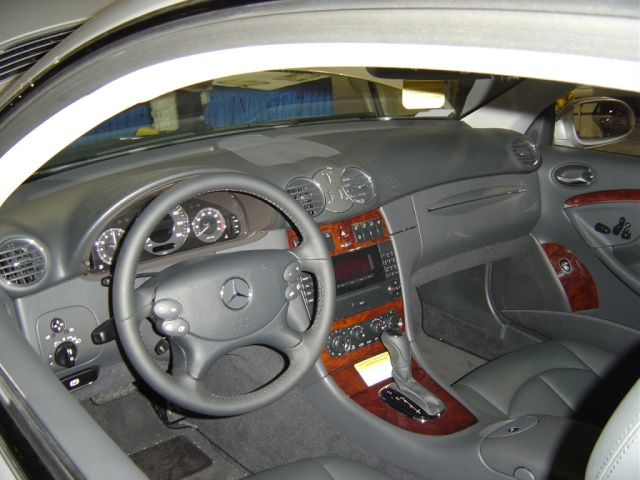 mercedes-clk320-interior-view