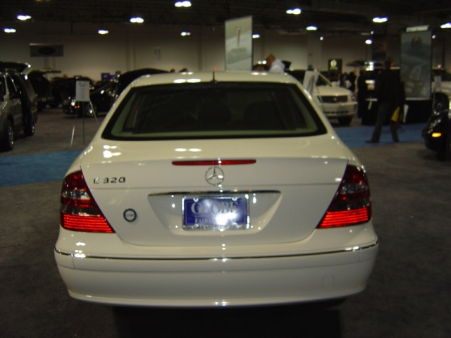 mercedes-e320-rear-view