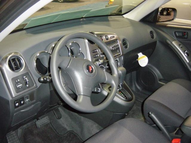 pontiac-vibe-interior-view