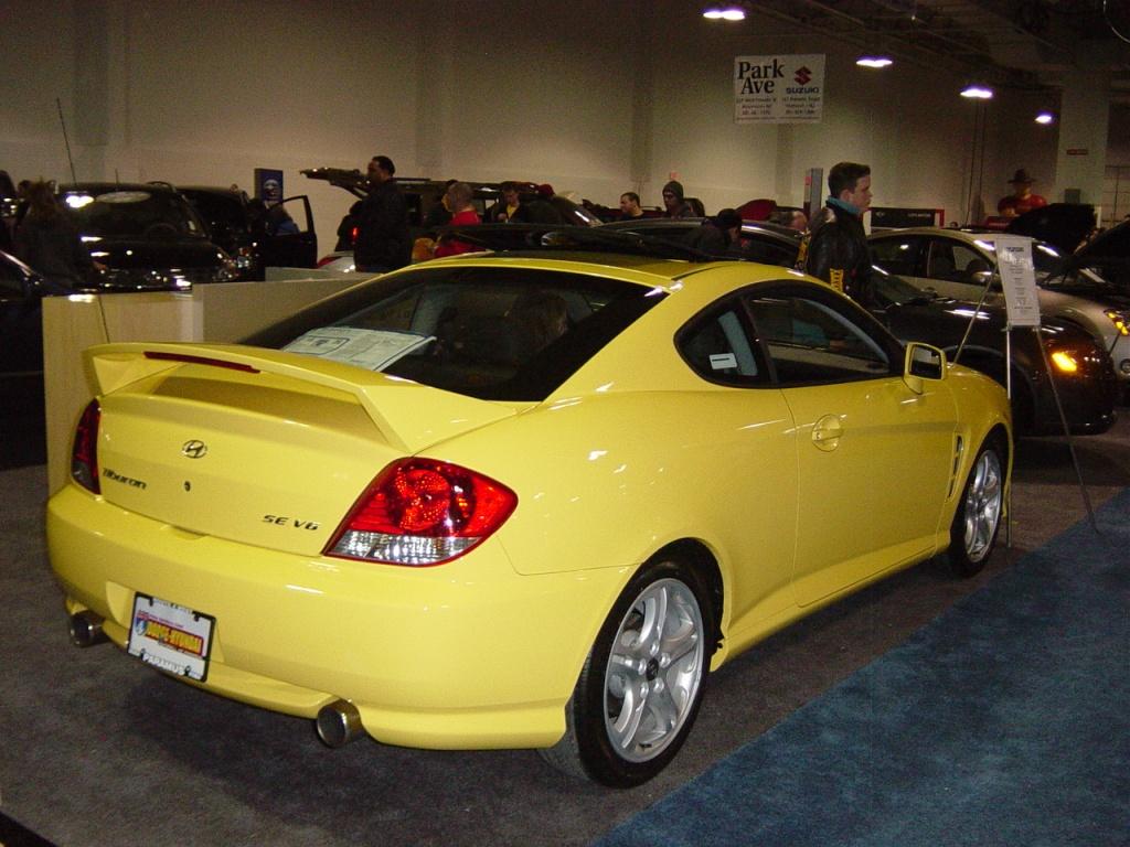Yellow Hyundai Tiburon Nj Auto Expo 2005 Car Pictures