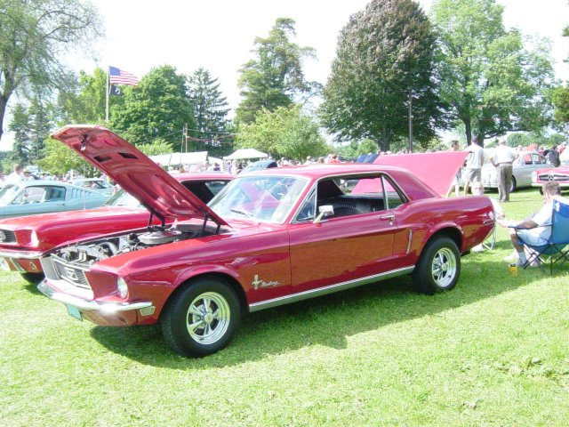classic-red-mustang