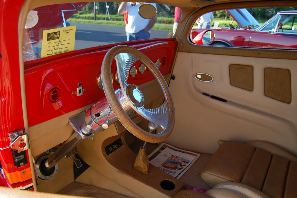 1933-Ford-Coupe-interior