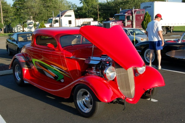 1933-Ford-Coupe-side