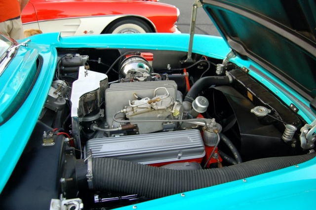 1957-Corvette-Convertible-engine-close