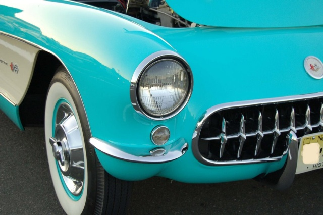 1957-Corvette-Convertible-front-light
