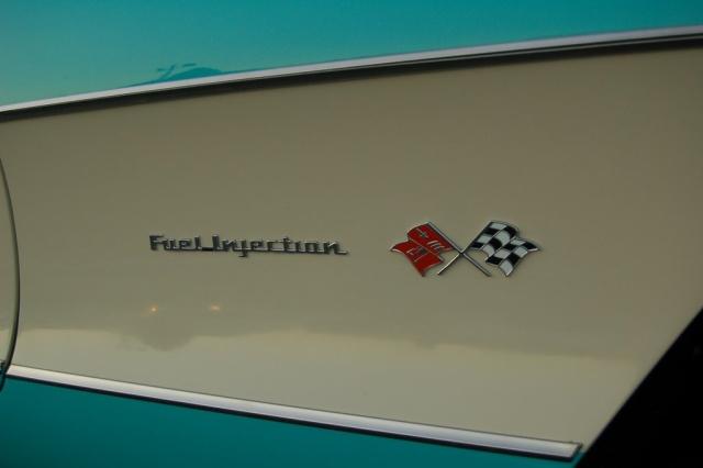 1957-Corvette-Convertible-fuel-injection