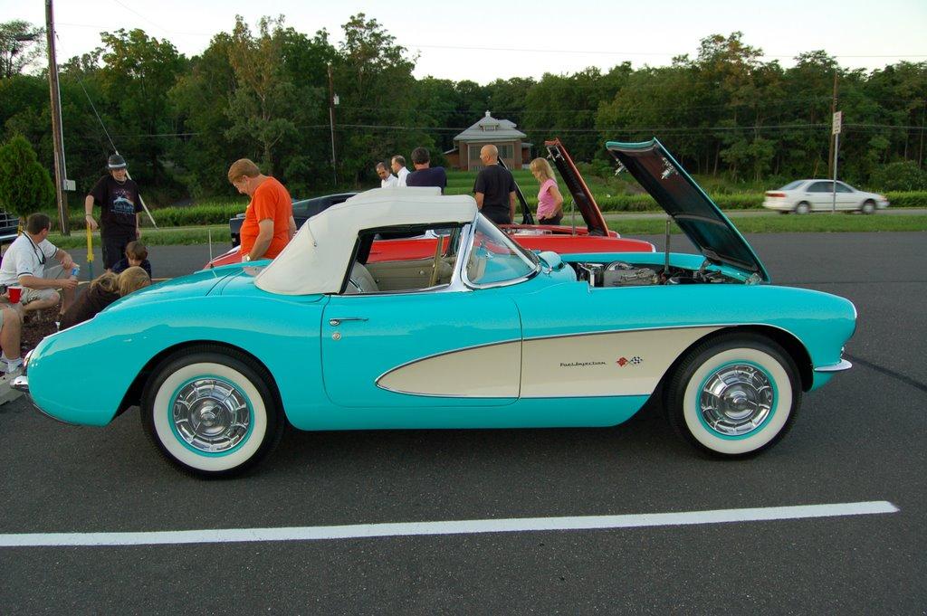 1957-Corvette-Convertible-side