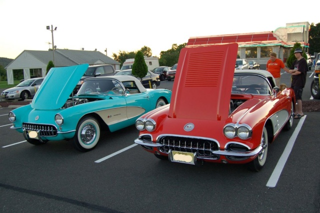 1958-1957-Corvette-Convertibles