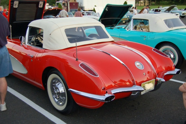 1958-Corvette-Convertible-rear