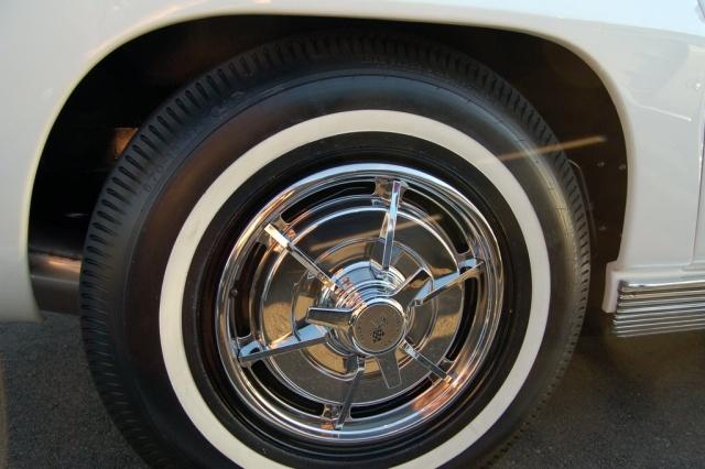 1963-Corvette-Sting-Ray-tire