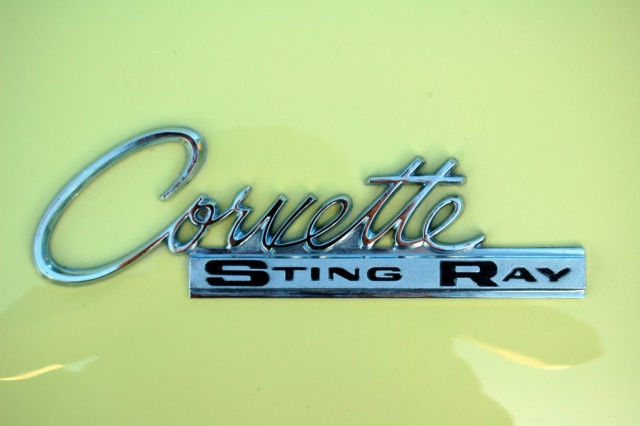 1965-Corvette-Sting-Ray-logo
