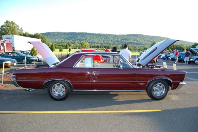 1965-GTO-Pontiac-side-view