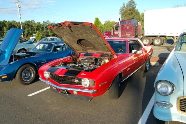 1969-Camaro-z28-hood-up