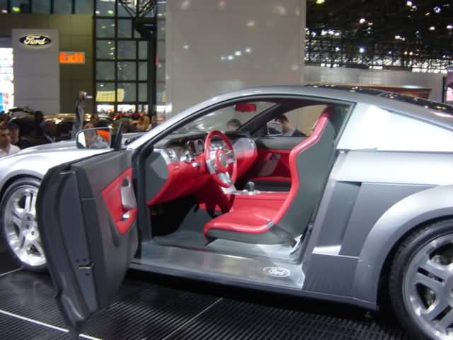 ford-thunderbird-interior-view