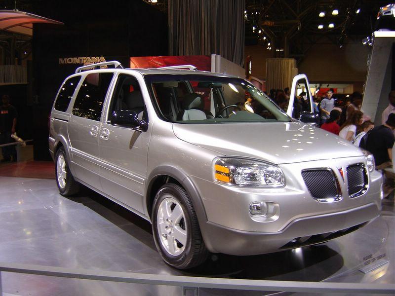 2005-pontiac-montana-silver