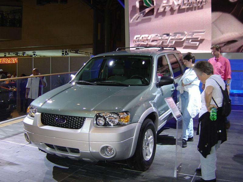 ford-hybrid-escape