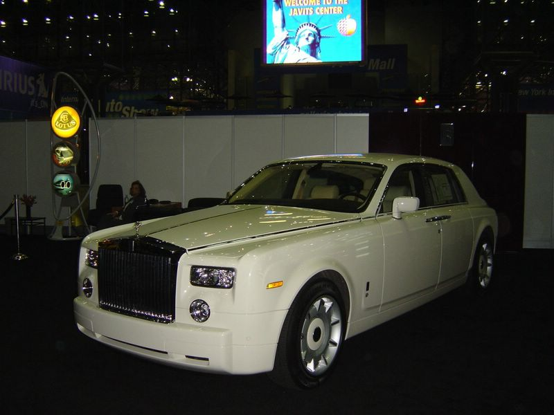 white-rolls-royce