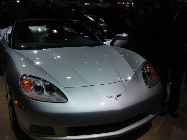 2005 silver corvette convertible