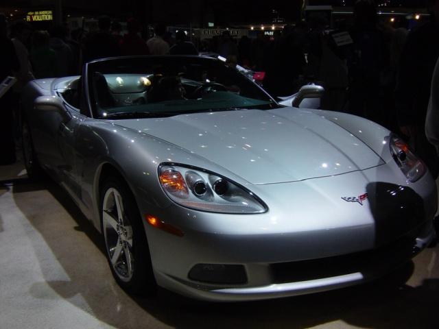 2005 silver vette convertible