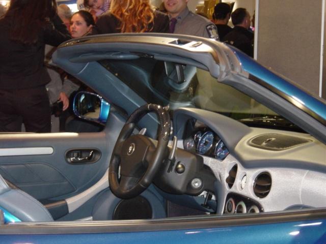 blue spyder maserati interior