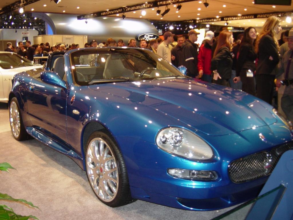 coupe cambrio maserati blue