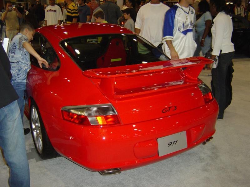 red-porsche-911-gt3