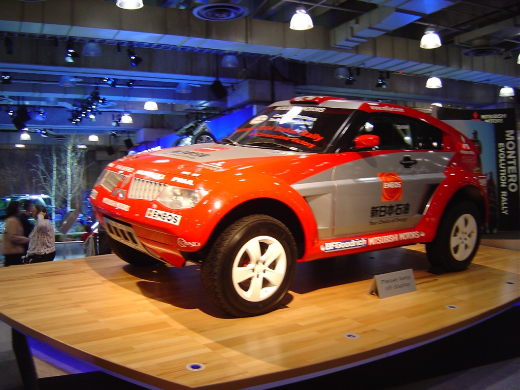 mitsubishi-montero-rally-car