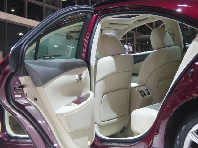 lexus rear interior view